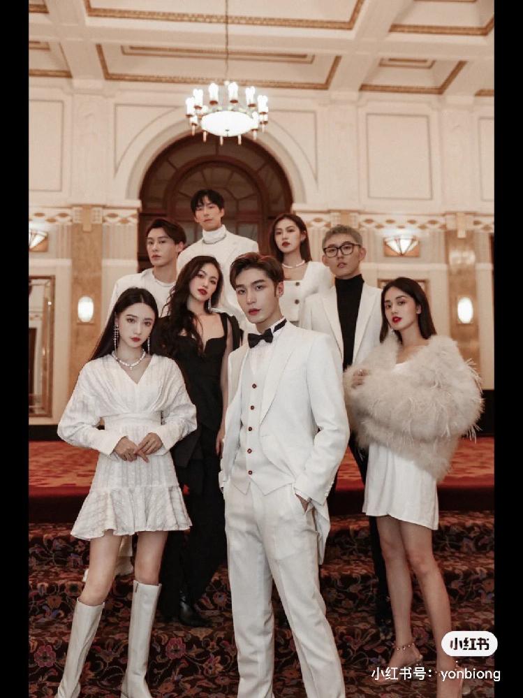 中国ワンホン尹彬くんのお誕生日会の写真に写っている、最前列左の女の子が誰か教えてください。