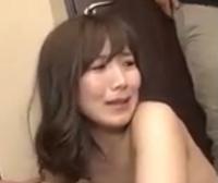 この女優の名前をおしえてください