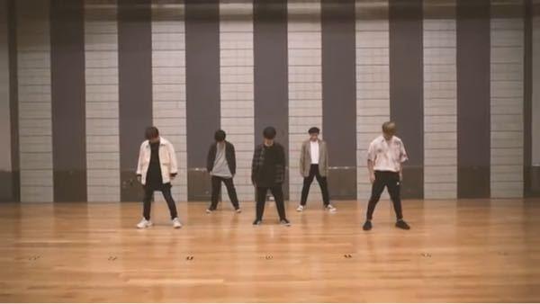 Da-iCEのCITRUSのofficial dance の動画で上下黒の服を着ているのはどのメンバーですか? 画像でいうと真ん中の方です! めっちゃダンス上手いと思いました