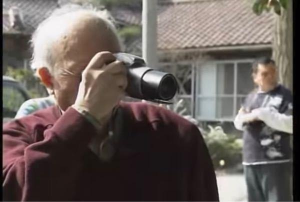 この水木しげる先生が使ってるカメラって OLYMPUS l-20で合ってますかね??