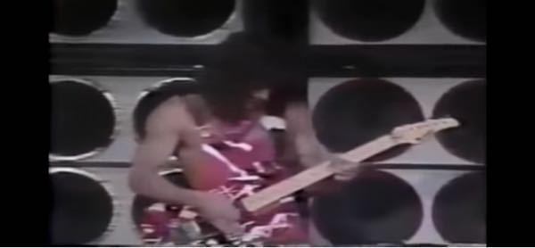 エディーのこのギターのヘッドはどこのメーカーのですか?