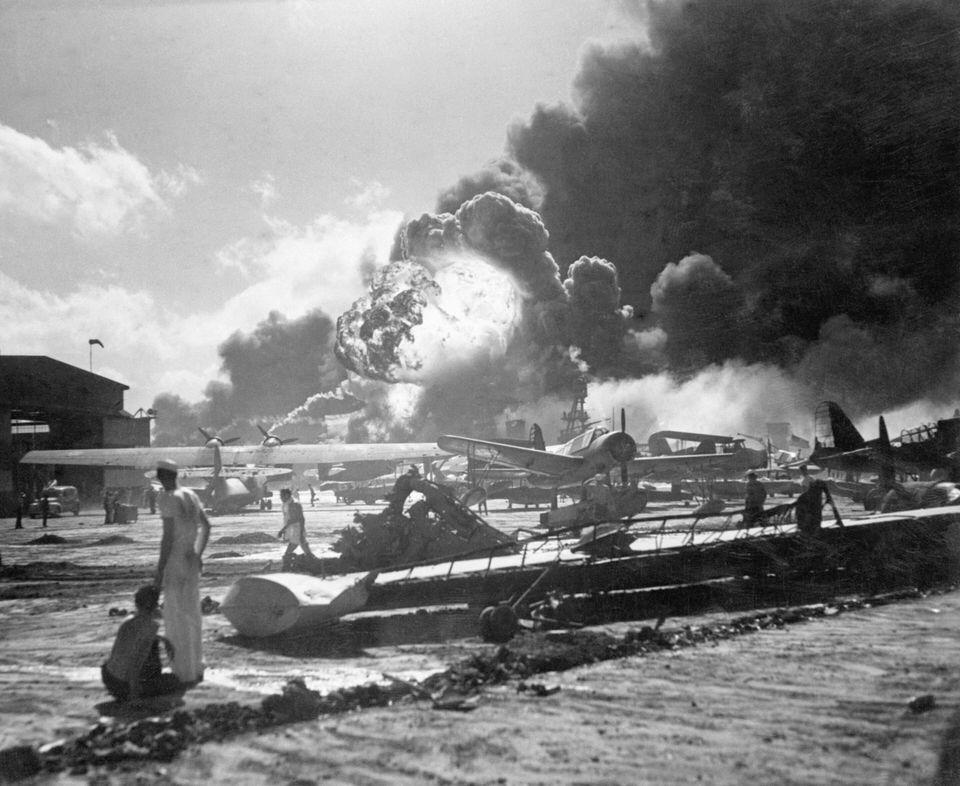 もし真珠湾攻撃で、日本海軍航空部隊が米空母を空襲するならば、どのタイミングを狙えば良かったのですか? ※勿論、攻撃予定日が変わった場合、史実通りハワイまで辿り着けるかは分かりませんが…。