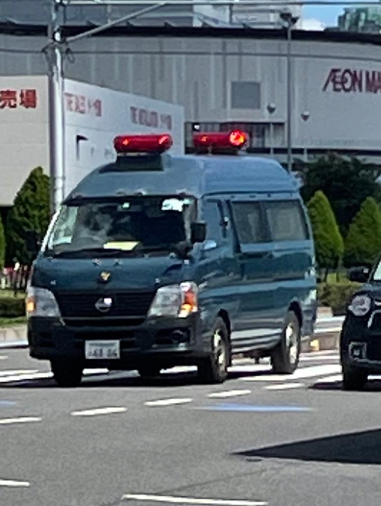 ふと思ったのですが このような警察車両の方々が違反で逮捕することってあるんですか??