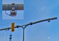 高速道路の出口と一般道路の合流するところ周辺に設置されているこのカメラはNシステムでしょうか?それともオービス、Tシステム、光ビーコン等 どれになるのでしょうか? 調べてみると種類がいっぱいありすぎてよくわかりません…