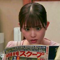 男性に質問。 ドラマ『シンデレラ・コンプレックス』で週刊誌を見て驚いている坂村まひろ役の女優・松村沙友理さんが可愛いと思いますか?