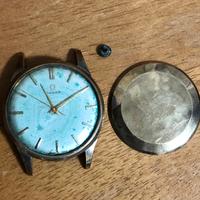 金無垢時計の定義について教えてください。 実家から発掘されたオメガの金色の時計ですが裏蓋には18Kと刻印があります。18金の事だと思いますが、裏蓋の刻印のみで金無垢時計と言えますでしょうか? また、添付の写真いつ頃のオメガでモデル名も教えて頂けると幸いです。