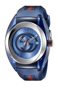 このグッチの腕時計はおしゃれですか? かなり気になりました。値段は4万円台です。  . 自分は30代男性ですが、高級ファッションには本来それほどは関心がありません、ジーユーやユニクロや格安店の服で基本満足しているのです。  しかし近くのショッピングモールにてこのグッチの腕時計を目にして、すごく気になってしまいました。 色は特にブルーかオレンジが好みです。 https://www.buyma....