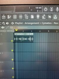 FL Studioについての質問です。 写真のようにはみ出したループ素材を 2小節におさめている映像を見たのですが、 どうやってやるのでしょうか?