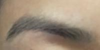 メイク初心者です。この眉毛のメイク方法を教えてください。