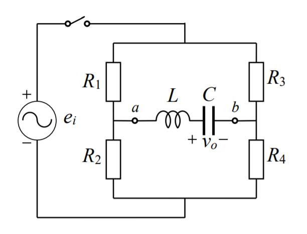 下記の回路において、t=0のときコンデンサの電荷が1Cであった。このときのv0の過渡現象を求めなさい。 ei(t) = 24sint, R1 = 3Ω, R2 = 6Ω, R3 = 6Ω, R4...