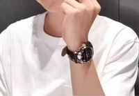 この最近のVliveでジミンが付けていた腕時計が、 どこのものか分かる人はいますでしょうか、?