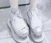 この靴どこのブランドかわかりますか??