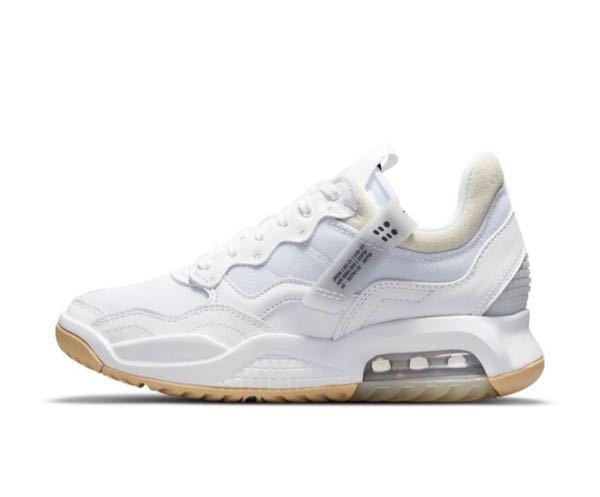 この靴探してるんですけど、なんて調べたら出てきますか、、 ブランドもわからないです(--;