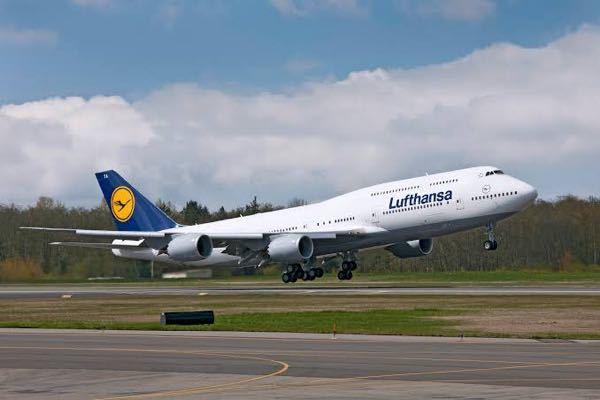 B747の最新型であるB747-8iに搭乗した事がある人に質問です。 乗り心地はどうでしたか?