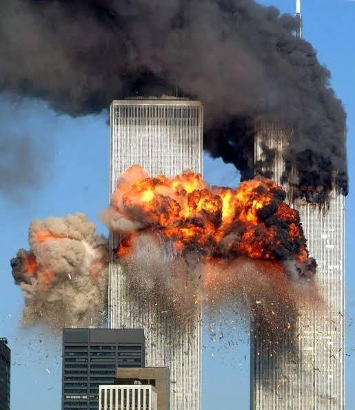9.11から20年 皆さんは当時の緊急ニュースを見た時どう思いましたか?