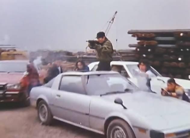先日、サバンナRX-7に関する質問に回答くださったleg様、BAを差し上げるつもりが手違いがありましたので改めて質問させてください。 東映の刑事ドラマで使用されたこのRX-7は後に東映の特撮ドラマで使用された車体と同一のものでしょうか。 leg様のご意見聞かせて頂きたく思います。