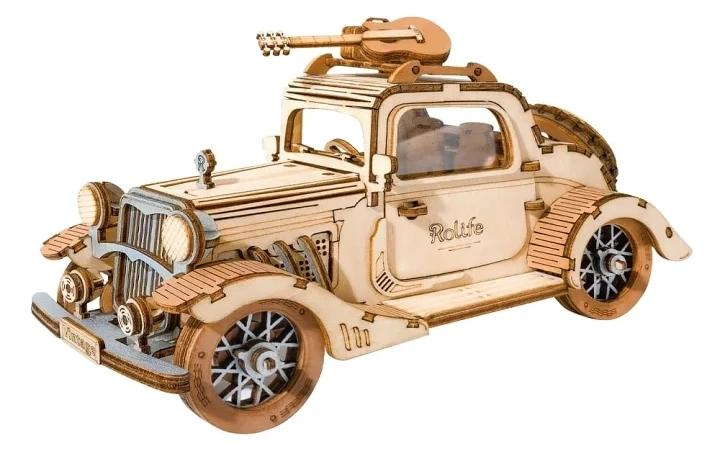 こちらの画像は何の自動車をモチーフにされているのでしょうか?実在の車の車種を御教示下さいませ。