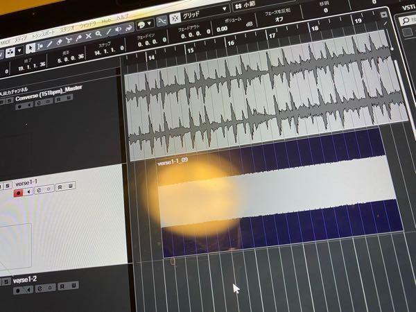dtmについてなのですが、声を入れるレコーディングの際になにも声を発さずともこのような雑音が入ってくるのですが、マイクの故障とかですかね?今まではちなみにこのようなことはなかったです。 声も一応...