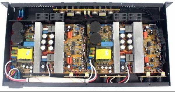 PA スピーカーの質問です。 チャンネルデバイダーから来た信号(ケーブル)をメインスピーカーとサブウーファーで分ける場合、 この写真のアンプ(4チャンネル)の場合、 【A】 1チャンネル、2チャンネル→ハイ 3チャンネル、4ちゃんねる→ロー 【B】 1チャンネル→ハイ 2チャンネル→ロー 3チャンネル→ハイ 4ちゃんねる→ロー どちらが適切なのでしょうか? 内部を見たらわかる方いらっしゃいますでしょうか? ご教授いただけますと幸いです。 宜しくお願い致します。