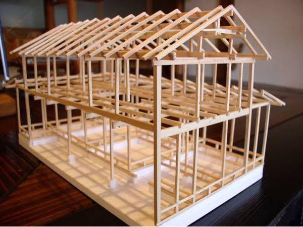 写真のような木製の軸組模型を作りたいのですが薄い木の板や細い角材は東急ハンズにありますか?レモン画翠にあるのは知ってます