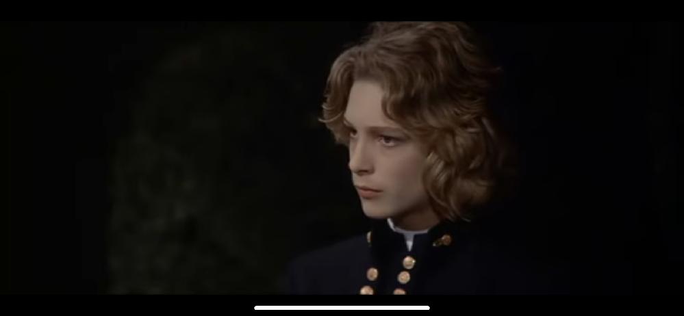 この少年の名前を教えてください。