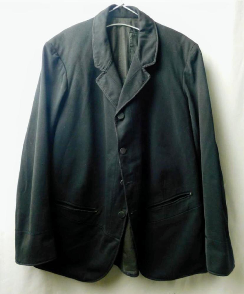 画像のジャケットの印象をどう思いますか?