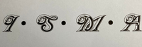 この欧文書体は何というフォントでしょうか? 数日探しているのですが見つかりません。 よろしくお願いいたします。