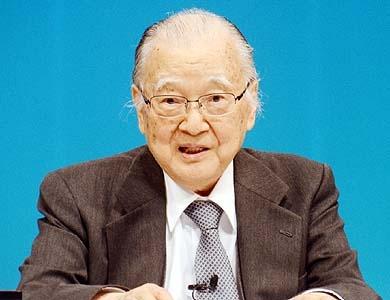 不破哲三こと上田建二郎さんはなぜ国会議員としてもペンネームを使い続けたのですか?