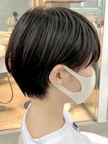 男子高校生がこの髪型にしたら変ですか? 顔は中性的な方で背は小柄です。