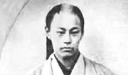この偽の写真って誰が作ったんですか? 充分沖田総司って感じしますけどね、 この人。