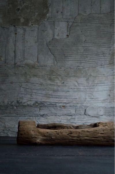 こんな感じの家具が欲しいのですがインテリアのジャンルとして何になるんでしょうか? インダストリアルとはまた違うしで教えていただけると幸いです。