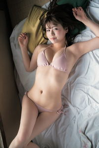 井口綾子さんって結構かわいいですが こんな感じで露出の高い水着画像があれば教えてください。