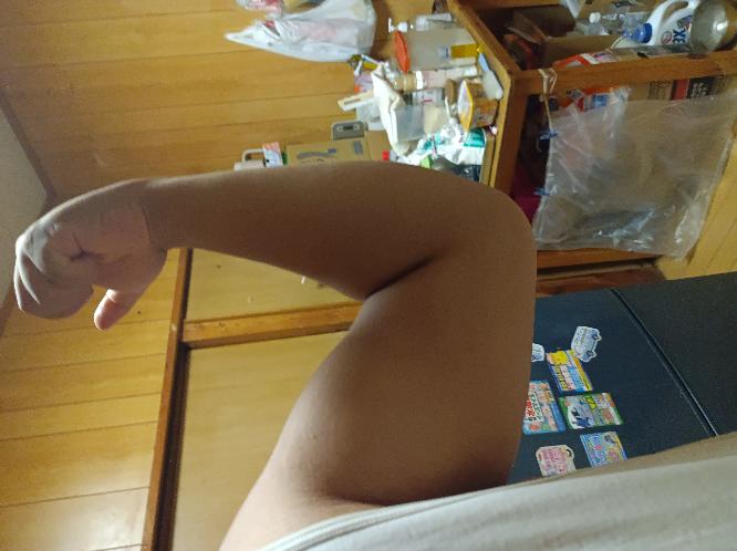腕立て伏せして二頭筋や3頭筋を限界までやっても大きくなりません!自重で大きくなる方法教えてください!