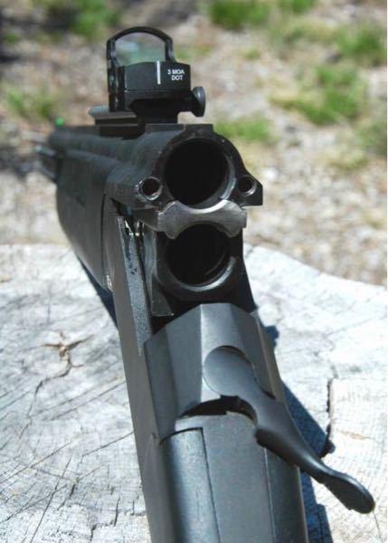ふと映画を見ていて思ったのですがこの散弾猟銃に 他のライフルのような弾は撃てるのでしょうか? お詳しい方がいらっしゃいましたら良ければお教え頂けると嬉しいです。