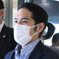 小室圭さん。ずっと「なんやコイツ」と思ってました。でもこの結えた長髪とマスク姿はそこそこイケてると思ったんですがどうでしょう? . 彼の経歴や皇族との結婚問題は置いといて(どうでもいいです)