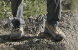 登山、ミリタリーのブーツ?に詳しい人に聞きます! 画質荒くてすみません。 このトレッキングシューズ?ブーツはどこのメーカーでしょうか?