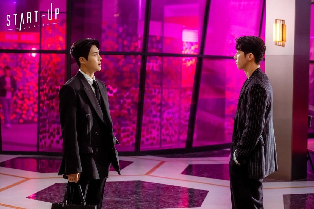 韓国ドラマ「スタートアップ」でハンジピョンが着ているこの服はどこのブランドのものかわかる方いらっしゃらないでしょうか?