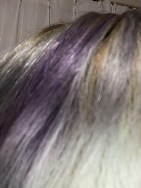 この今の髪色から市販のブリーチを1回して金髪に戻したいのですがムラなく出来ると思いますか?