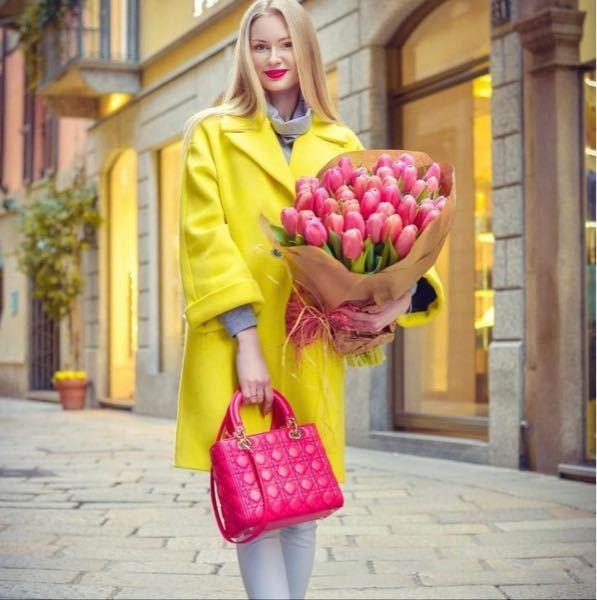 ショッキングピンクのレディディオールは もう正規店に売っていませんか? またいつのコレクションのやつですか? それとも、またこれからでますか?