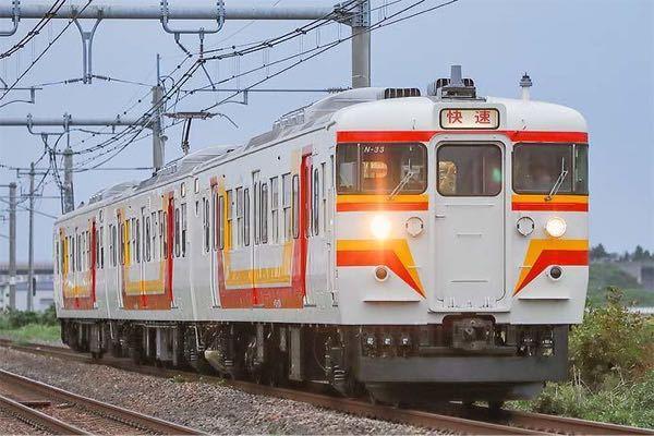 なぜ、信越線(新潟地区)では快速運用にだけ古い国鉄115系がコキ使われているのですか? 停車駅大宮のみのとき号に上下ともe2系が使われているのとも何か関連性があるのですか?