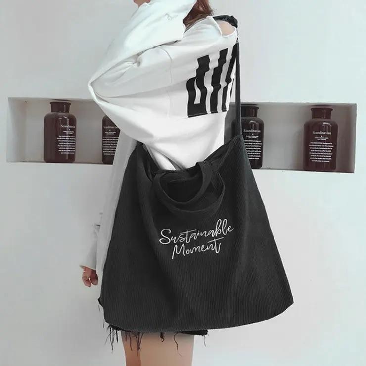 このバッグってどこで買えますか??