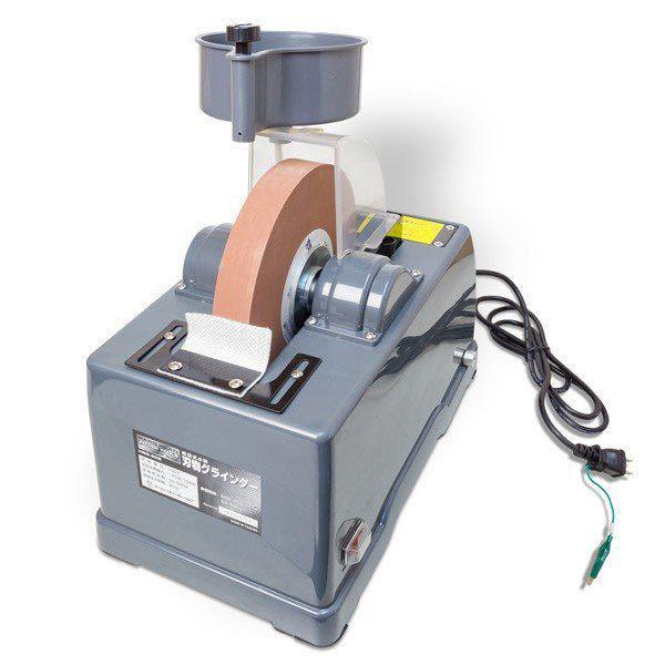 この写真のようなタイプの刃物の研磨機で包丁を研ぐ時のコツってありますか?刃線を真っ直ぐにしやすい研ぎ方とか。