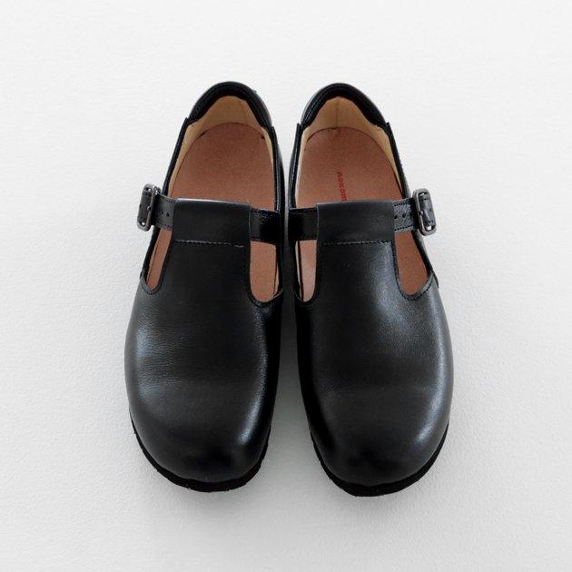 冠婚葬祭にTストラップの靴は大丈夫でしょうか?