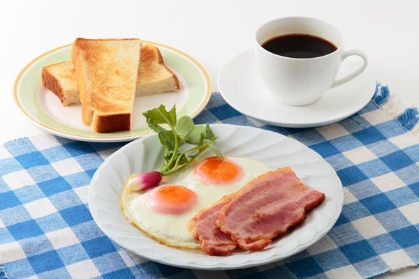 おはようございます❣ 朝食はもうお済みですか? 今朝のわたしの朝食は こんな感じです♥(๑´ڡ`๑)
