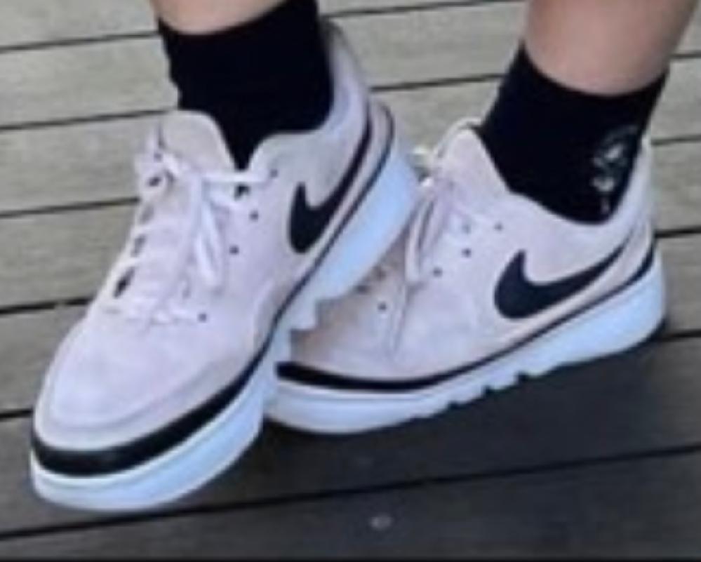 可愛いなと思い、検索したのですが、どうしても見つけられませんでした。 この靴の詳細わかる方いますか?