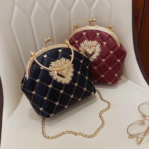 このバッグをよくインスタのセレクトショップ?みたいな投稿で見かけるのですが、このバッグ(または似たようなもの)は、SHEINやアリエクに売っていますか?