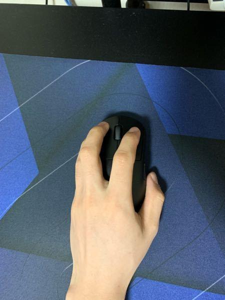 マウス斜めに持つことによる弊害って何かありますか?長らくこの持ち方でやってるんで変えるの辛いです。主なfpsタイトルはapexです