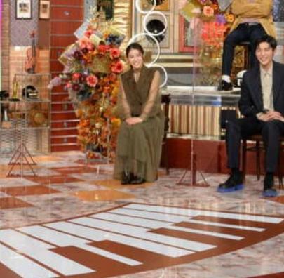 第3弾 関ジャム完全燃show の土屋太鳳さんの衣装 どのこものかわかる方いらっしゃいますか?