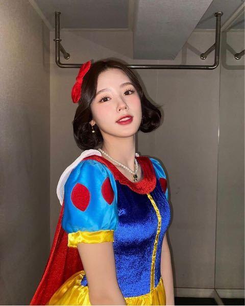 この白雪姫のコスプレしてる美人は誰ですか? 多分韓国のアイドルです