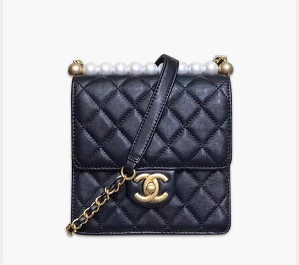 CHANELのミニマトラッセや、下記のようなバッグを5万ぐらいで買えるサイト教えて欲しいです。 コピー品でも大丈夫です!